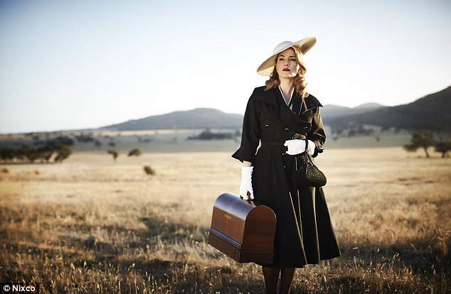 241CF74D00000578-2877080-Beautiful_The_first_look_at_Kate_Winslet_in_The_Dressmaker_has_b-m-10_1418797329896