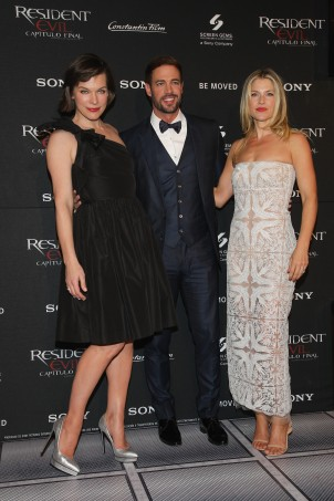 Milla Jovovich, William Levy y Ali Larter